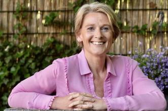 Esther Van Geelen - Opgroeiconsult
